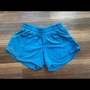 ✨ lululemon Hotty Hot Shorts 6 Tall ✨